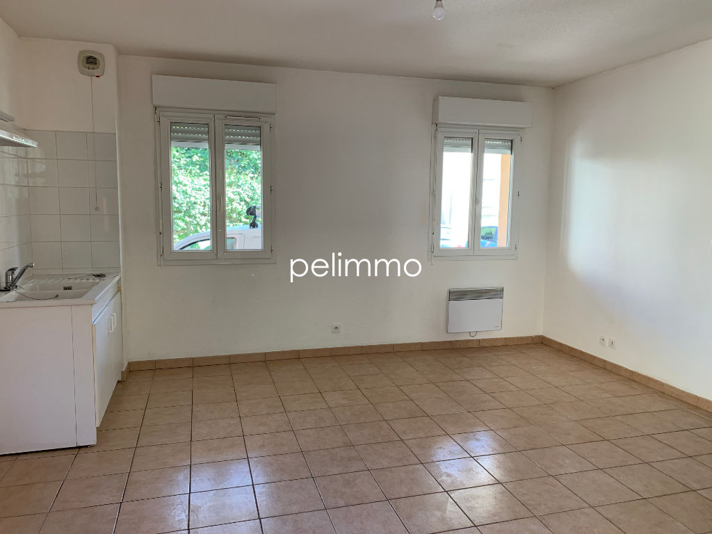 EYGUIERES - APPARTEMENT T2 + PARKING - 36.05 m2