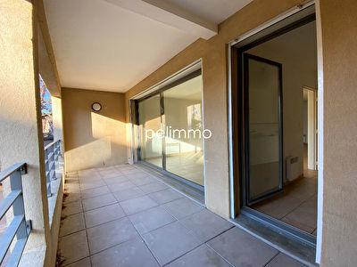 LAMBESC - APPT T4  93m² + TERRASSE + PARKING 1/3