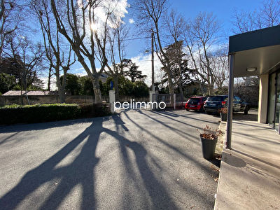 PELISSANNE - LOCAL COMMERCIAL OU PROFESSIONNEL - 127 m2 2/6