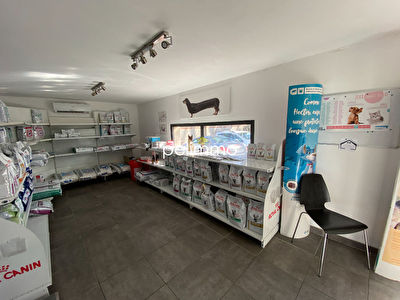 PELISSANNE - LOCAL COMMERCIAL OU PROFESSIONNEL - 127 m2 5/6